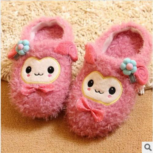 รองเท้าใส่ในบ้าน ลายน้องแกะขนปุยน่ารัก สีชมพู