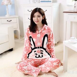ชุดนอนน่ารัก ลายกระต่ายหูยาว แขนยาวขายาว ใส่นอนหน้าหนาว