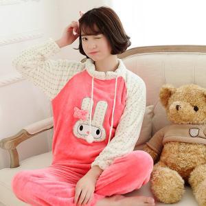 ชุดนอนน่ารัก สดใส ใส่นอนหน้าหนาว ลายกระต่าย
