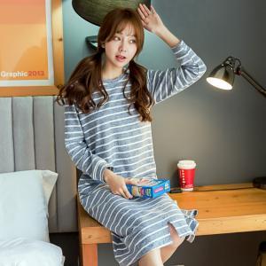 ชุดนอนสไตล์เกาหลี ลายขวางตัวยาวปิดเข่า น่ารักแบบมีสไตล์