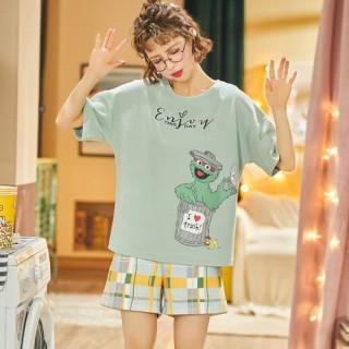 ชุดนอนแขนสั้น กางเกงขาสั้น ลายการ์ตูนเอนจอยผ้านุ่ม LKC2006027