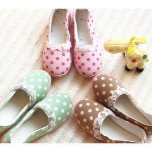 รองเท้าเกาหลีน่ารัก ลายจุด ประดับลูกไม้ สไตล์เกาหลี