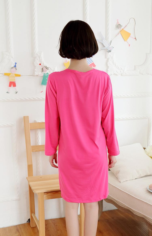 ชุดนอนกระโปรงแขนยาว ลายมิกกี้เม้าท์  ด้านหลังสีสดใสมาก
