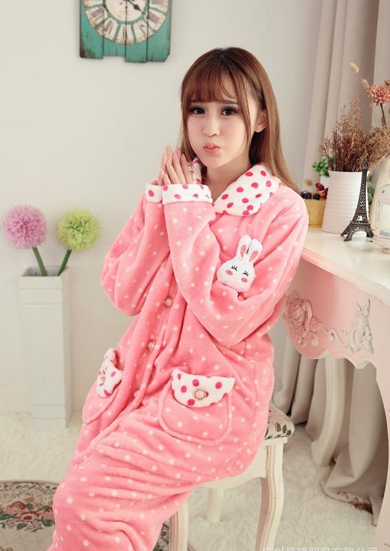 ชุดนอนน่ารักสดใส ใส่นอนหน้าหนาว แต่งลายกระต่าย