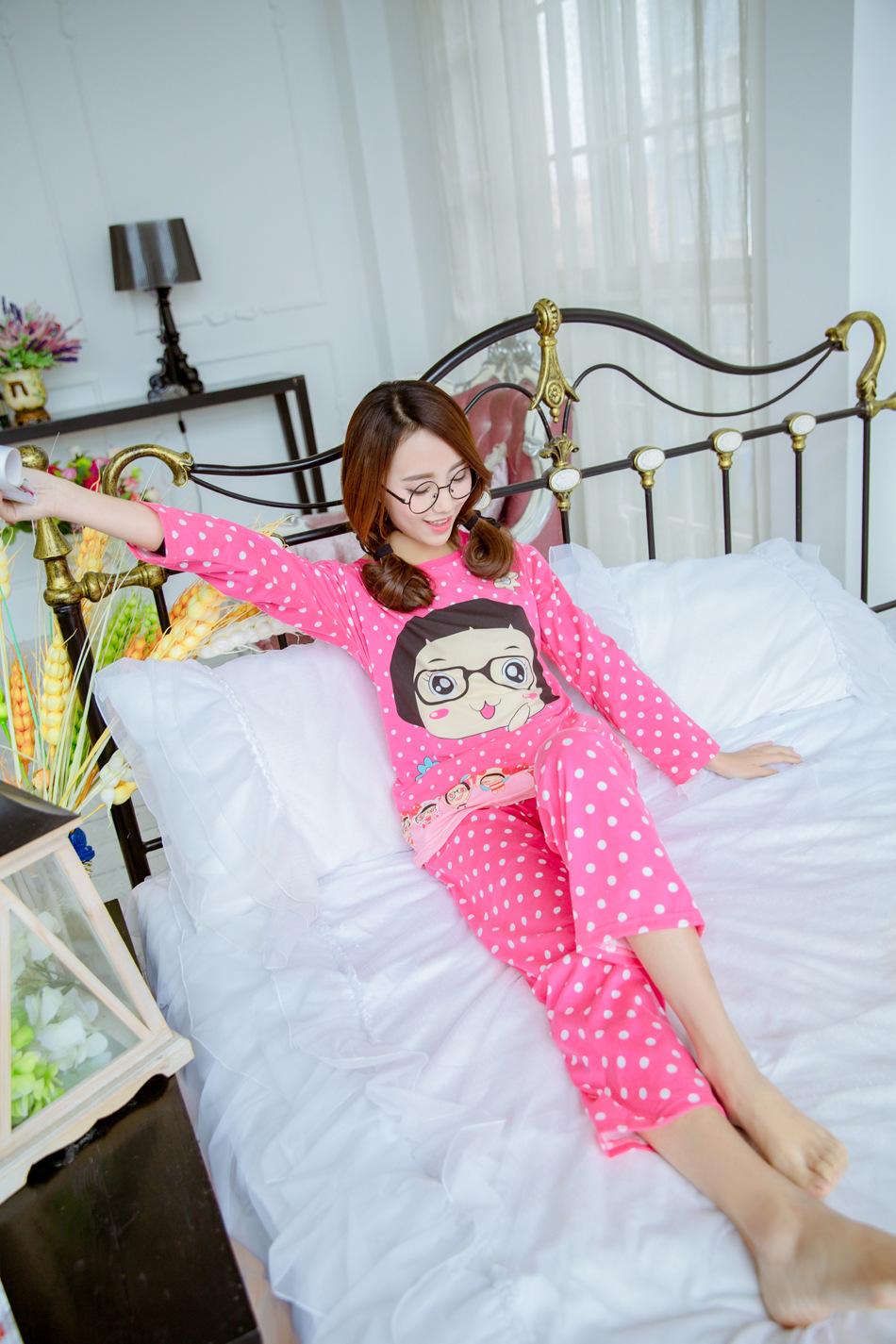 ชุดนอนแขนยาว ผู้หญิงแสนน่ารัก