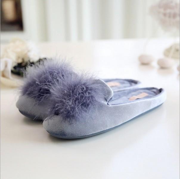 รองเท้าใส่ในบ้าน สไตล์คุณหนู