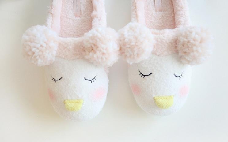 รองเท้าใส่ในบ้านขนปุย