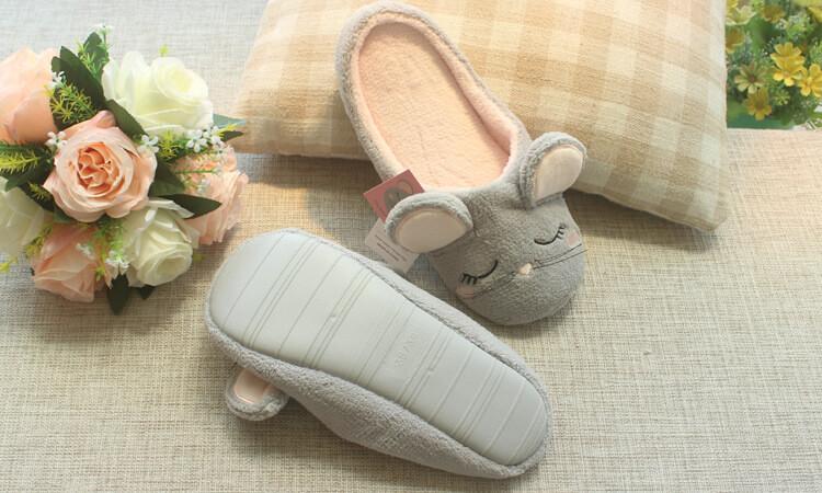 รองเท้าใส่ในบ้าน พื้นยาง