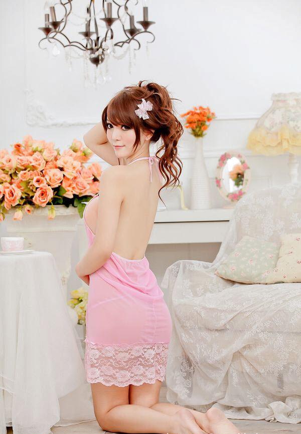 ชุดนอนเซ็กซี่ สีชมพู สายเดี่ยวคล้องคอ
